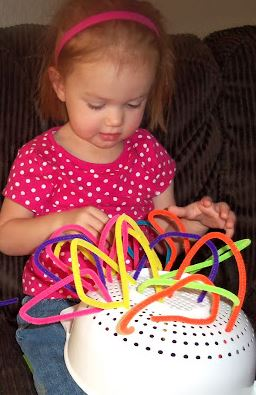 toddler activity using pipecleaners